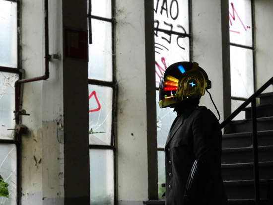 LoveProps Daft Punk Helmet Casco Manuel DIY window